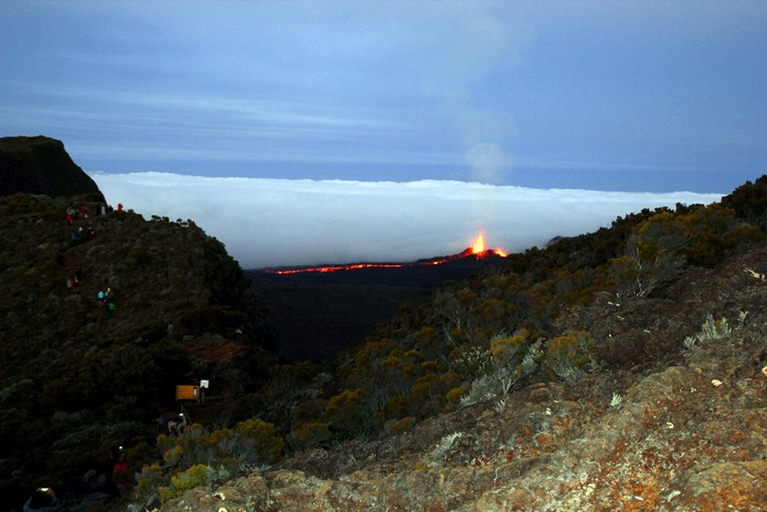 eruption-volcan-ile-reunion-001
