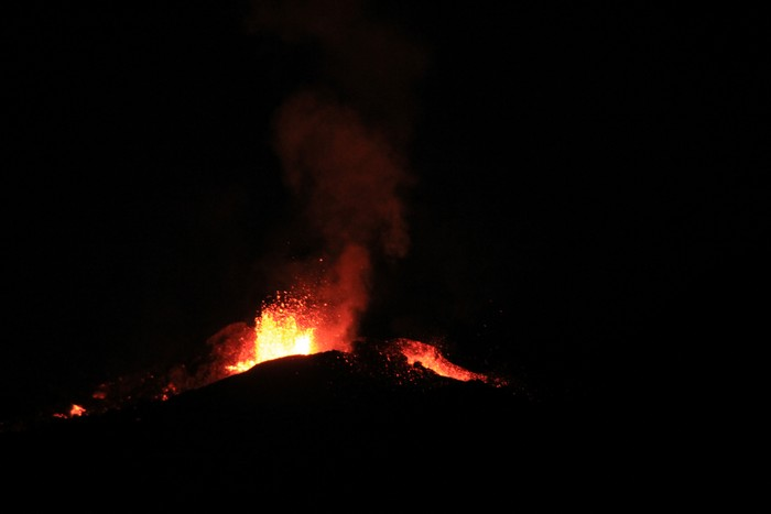 eruption-volcan-ile-reunion-011