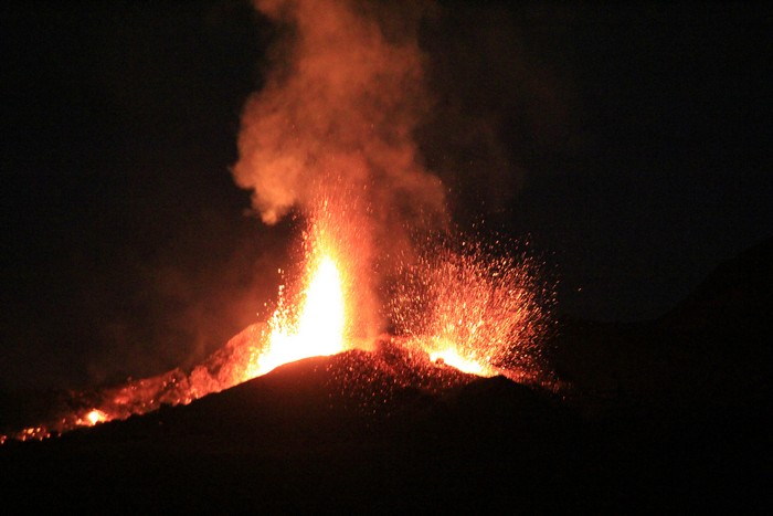 eruption-volcan-ile-reunion-013