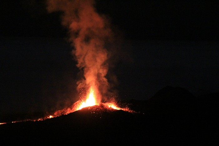 eruption-volcan-ile-reunion-014