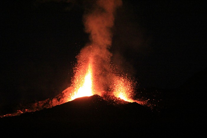 eruption-volcan-ile-reunion-018